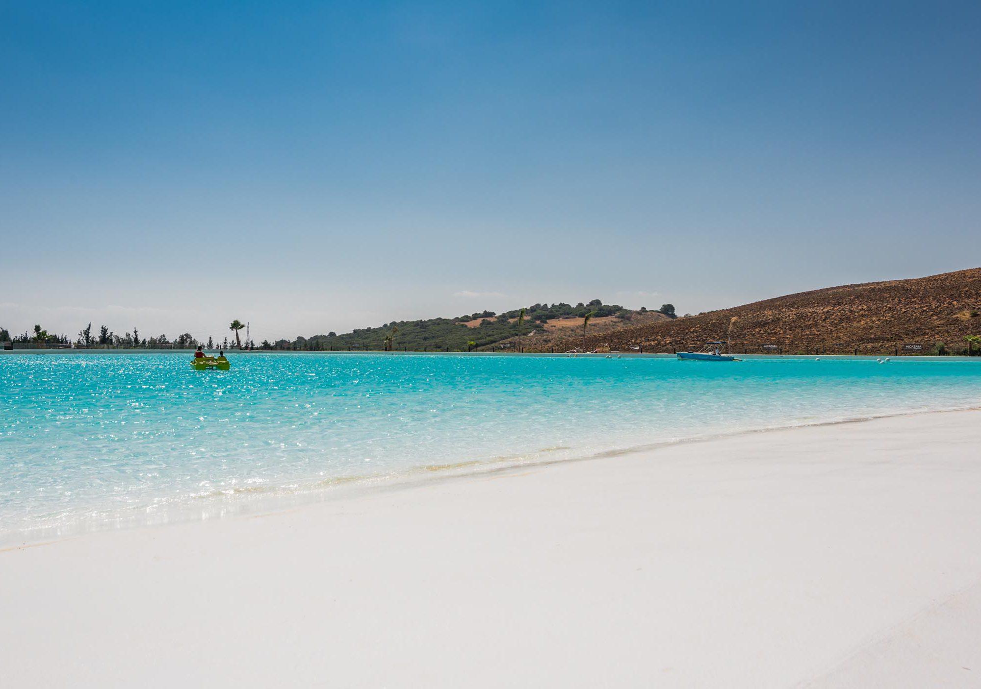 Laguna alcazaba lagoon casares constructores en marbella for Como hacer una laguna artificial